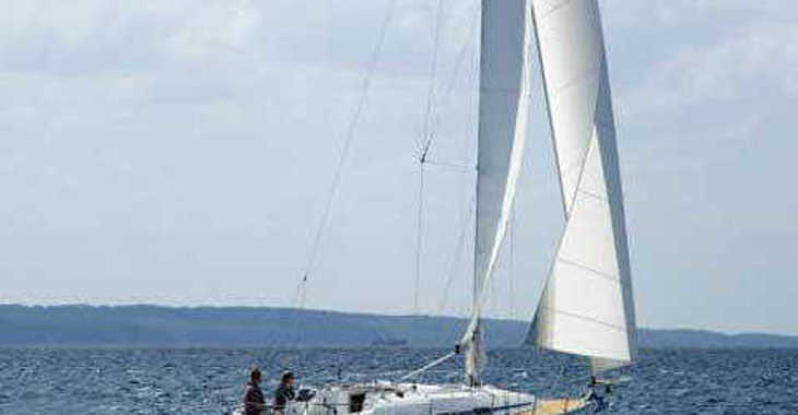 Rent a sailboat Bavaria 32 in Marina Kornati, Kornati-Biograd