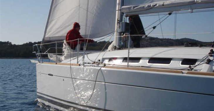 Rent a sailboat in ACI Jezera - First 35