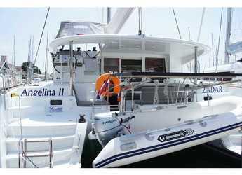 Rent a catamaran in Marina Mandalina - Lagoon 400 S2
