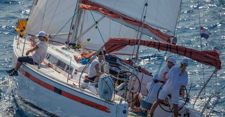 Rent a sailboat in Marina Kremik - Salona 38
