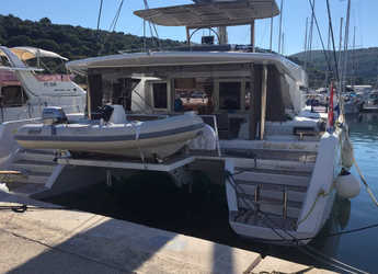 Rent a catamaran in Marina Kremik - Lagoon 52