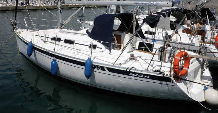 Rent a sailboat in Marina Sukosan (D-Marin Dalmacija) - Elan 333