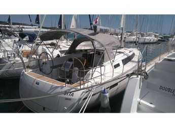 Rent a sailboat in Marina Sukosan (D-Marin Dalmacija) - Bavaria Cruiser 37