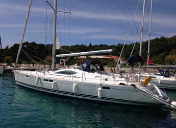 Rent a sailboat in Marina Frapa - Sun Odyssey 54DS