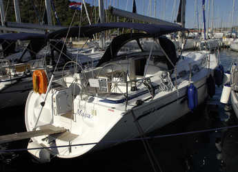 Rent a sailboat in Marina Frapa - Bavaria 42 C