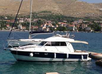 Rent a motorboat in Marina Frapa - Antares 10.80