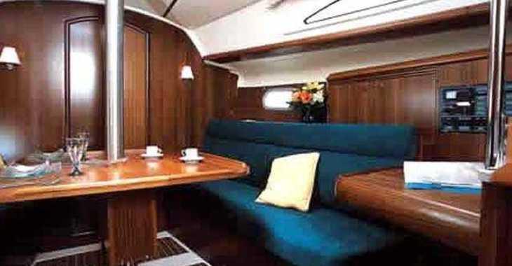 Rent a sailboat in Marina Frapa - Sun Odyssey 32i