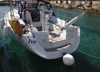 Rent a sailboat in Marina Frapa - Sun Odyssey 32i