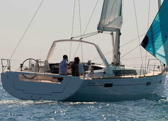 Rent a sailboat in Lefkas Nidri - Oceanis 45