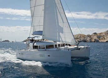 Rent a catamaran in Lefkas Nidri - Lagoon 400 S2.