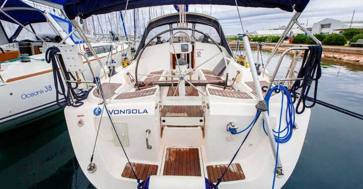 Rent a sailboat in Marina Sukosan (D-Marin Dalmacija) - Elan 40