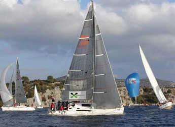 Rent a sailboat in Marina Kastela - Elan 410