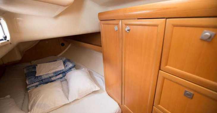 Rent a sailboat in Marina Sukosan (D-Marin Dalmacija) - Elan 37