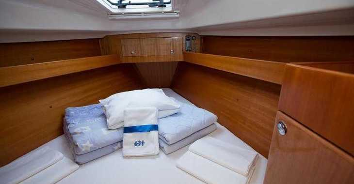 Rent a sailboat in Marina Kornati - Elan 344 Impression