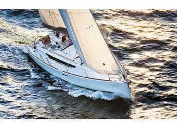 Rent a sailboat in ACI Marina Dubrovnik - Sun Odyssey 389