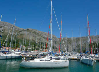 Rent a sailboat in ACI Marina Dubrovnik - Sun Odyssey 33i