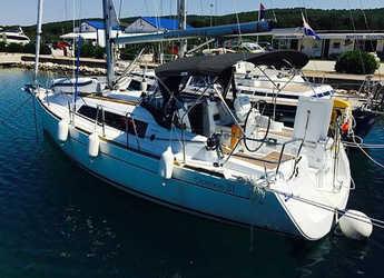 Rent a sailboat Oceanis 31 in Marina Sukosan (D-Marin Dalmacija), Sukosan