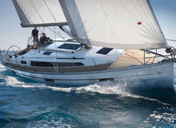 Rent a sailboat in Split (ACI Marina) - Bavaria 37 Cruiser