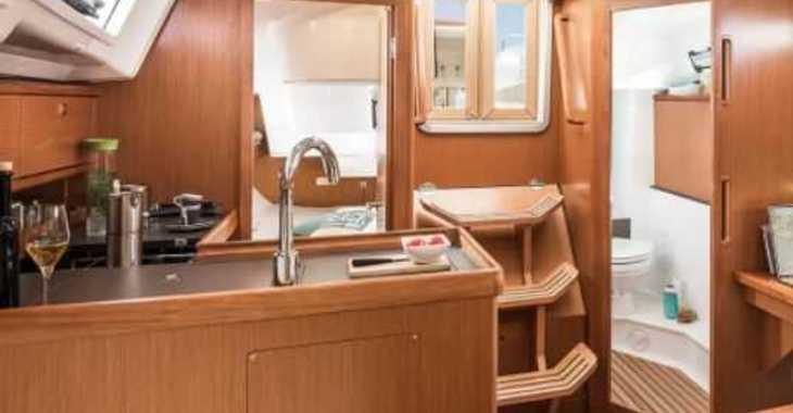 Rent a sailboat in Split (ACI Marina) - Bavaria Cruiser 34