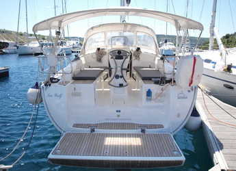 Rent a sailboat in Marina Kremik - Bavaria 36