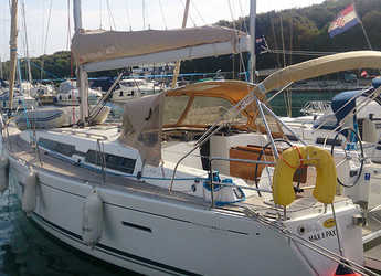 Rent a sailboat in Veruda - Dufour 405 BM