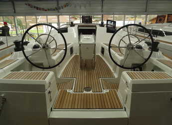 Rent a sailboat in Marina Kastela - Sun Odyssey 419
