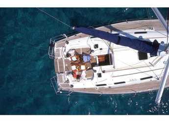 Rent a sailboat in Marina Kastela - Dufour 385