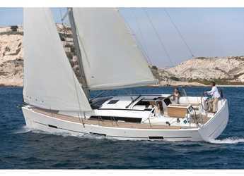 Rent a sailboat in Veruda - Dufour 410 (3c-1h)