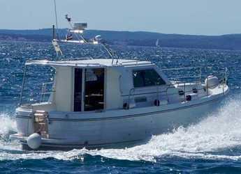 Rent a motorboat in Marina Zadar - Adria 1002