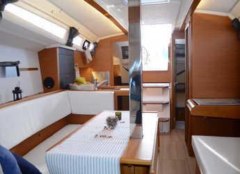 Louer voilier Sun Odyssey 349 à Ploče City Port, Ploce