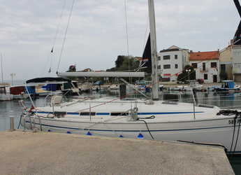 Rent a sailboat in Marina Preko - Bavaria 34