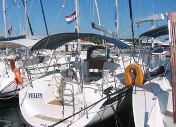 Rent a sailboat in Krvavica - Elan 36