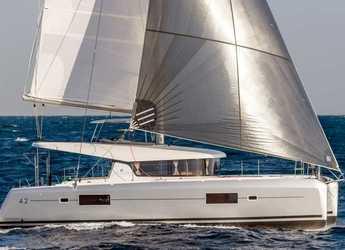 Rent a catamaran in Anse Marcel Marina (Lonvilliers) - Lagoon 42