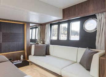 Chartern Sie yacht in SCT Marina Trogir - Absolute 52 FLY