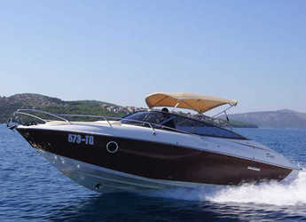 Rent a motorboat in SCT Marina Trogir - Sessa Marine S26