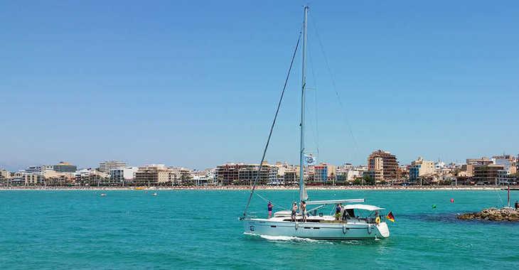 Rent a sailboat in El Arenal - Bavaria Cruiser 46 L