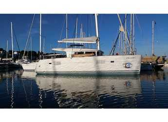 Rent a catamaran in El Arenal - Lagoon 400
