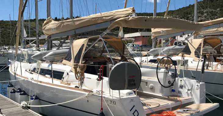Rent a sailboat in Marina Kremik - Dufour 350 Grand Large