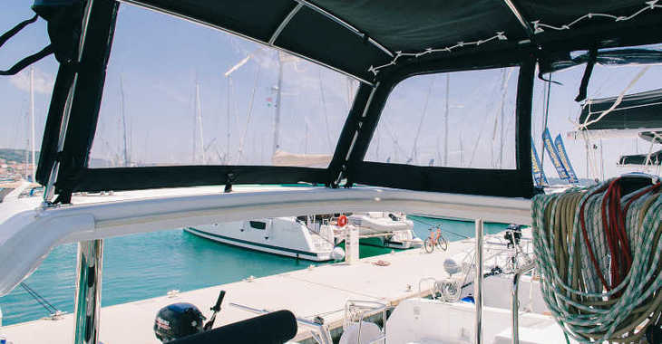 Rent a catamaran in Marina Baotić - Lagoon 39