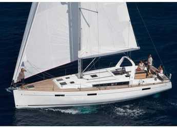 Rent a sailboat in Cala dei Sardi - Oceanis 45