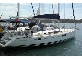 Rent a sailboat in Portocolom - Sun Odyssey 44i