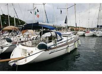 Rent a sailboat in Cala dei Sardi - Bavaria 44