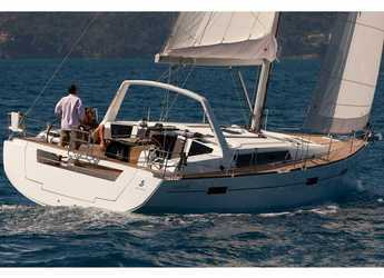 Rent a sailboat in Cala dei Sardi - Oceanis 45