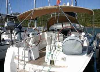 Rent a sailboat in Cala dei Sardi - Sun Odyssey 45 08