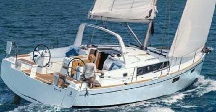 Chartern Sie segelboot in Cala dei Sardi - Oceanis 38.1