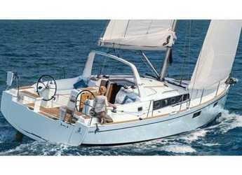 Rent a sailboat in Cala dei Sardi - Oceanis 38.1