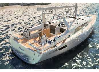 Rent a sailboat in Cala dei Sardi - Oceanis 41.1