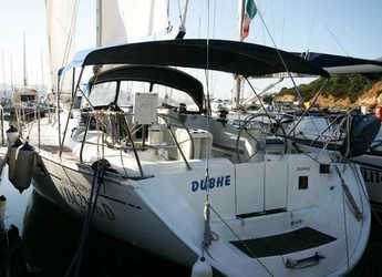Rent a sailboat in Cala dei Sardi - Sun Odyssey 45.2 Dubhe