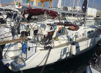 Rent a sailboat in Cala dei Sardi - Oceanis Clipper 423
