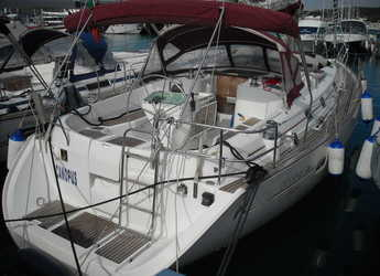 Rent a sailboat in Marina Cala di Medici - Oceanis Clipper 411